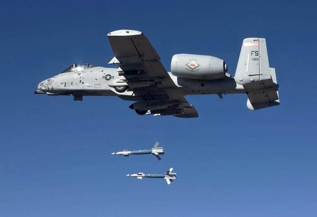 """Khám phá sức mạnh """"Thần sấm"""" A-10 Thunderbolt của Không quân Mỹ - anh 8"""