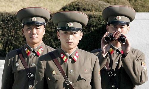 Gần một triệu thanh niên Triều Tiên nhập ngũ, chuẩn bị cho chiến tranh 2 miền - anh 2