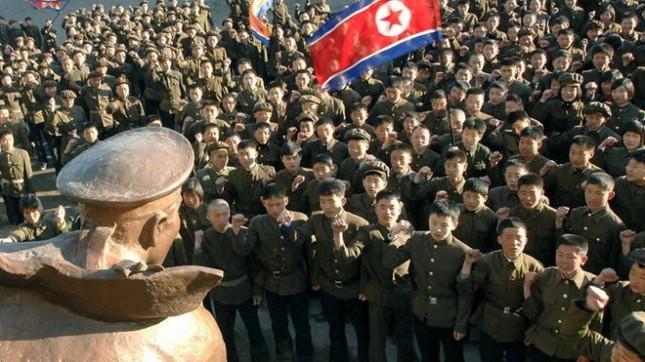 Gần một triệu thanh niên Triều Tiên nhập ngũ, chuẩn bị cho chiến tranh 2 miền - anh 1