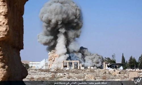 IS nổ tung ngôi đền thiêng 2.000 năm tuổi ở Syria - anh 1