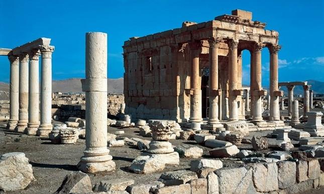 IS nổ tung ngôi đền thiêng 2.000 năm tuổi ở Syria - anh 2
