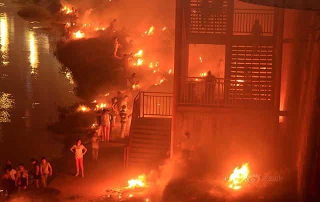 Trung Quốc rực lửa vì đốt vàng mã tháng cô hồn - anh 2