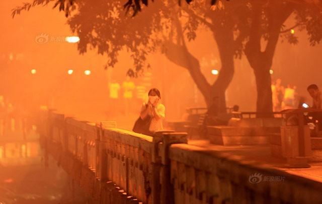 Trung Quốc rực lửa vì đốt vàng mã tháng cô hồn - anh 3