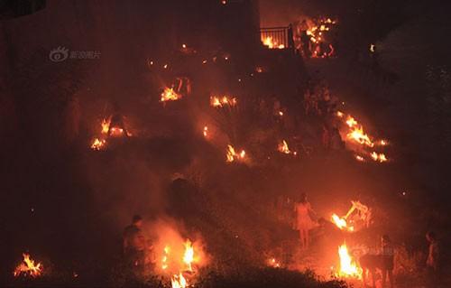 Trung Quốc rực lửa vì đốt vàng mã tháng cô hồn - anh 4