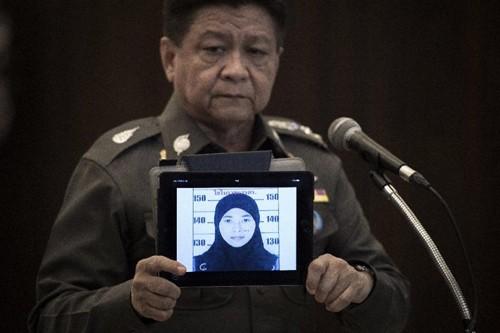 Nữ nghi phạm vụ đánh bom Bangkok lên tiếng thanh minh - anh 1