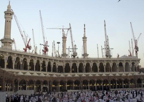 Saudi Arabia: Sập cần cẩu ở Thánh địa Mecca, ít nhất 107 người chết - anh 3