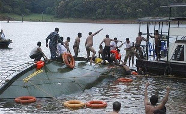 Ấn Độ: Lật thuyền quá tải, ít nhất 50 người thiệt mạng - anh 1