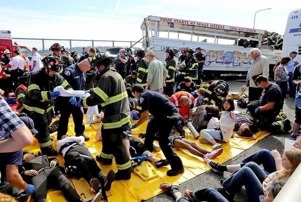 Vụ tai nạn xe buýt thảm khốc ở Mỹ: Thêm một sinh viên thiệt mạng - anh 1