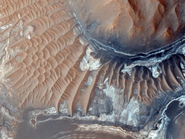 Chùm ảnh cận cảnh về sao Hỏa chưa từng công bố của NASA - anh 6
