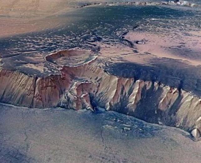 Chùm ảnh cận cảnh về sao Hỏa chưa từng công bố của NASA - anh 9
