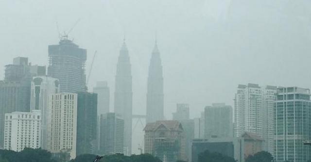 Malaysia ô nhiễm khói bụi tồi tệ nhất trong lịch sử 18 năm - anh 1