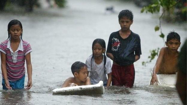 Philippines dọn dẹp đống đổ nát sau siêu bão Koppu - anh 5
