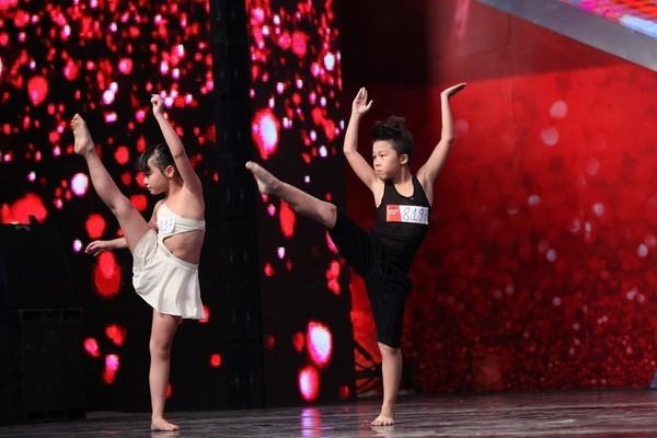 """Vietnam's Got Talent: Phát sốt với cậu bé """"Thị Mầu"""" 8 tuổi - anh 7"""