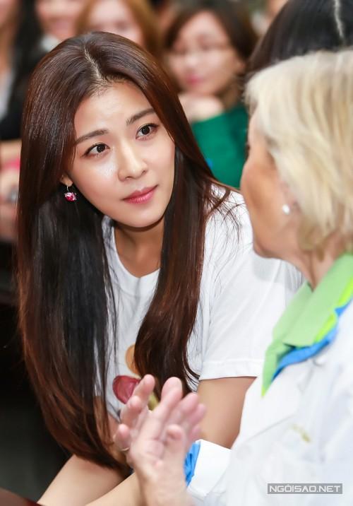 Ha Ji Won 'ghi điểm' nhờ sự giản dị - anh 4