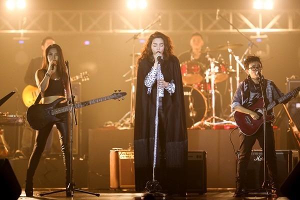 Mãn nhãn, đã tai với Live Concert kỉ niệm 10 năm ca hát của Hồ Ngọc Hà - anh 10
