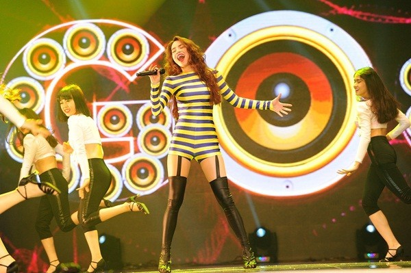 Mãn nhãn, đã tai với Live Concert kỉ niệm 10 năm ca hát của Hồ Ngọc Hà - anh 14