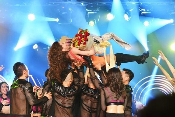Mãn nhãn, đã tai với Live Concert kỉ niệm 10 năm ca hát của Hồ Ngọc Hà - anh 15