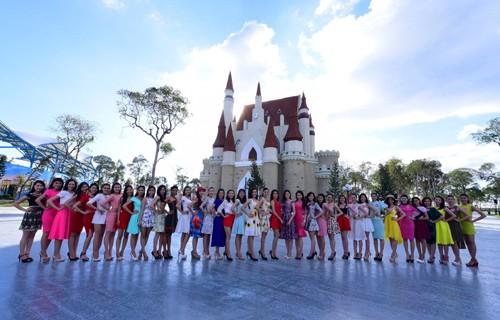 Ngắm nhan sắc rực rỡ tươi trẻ của thí sinh Hoa hậu Việt Nam trên đảo Phú Quốc - anh 3