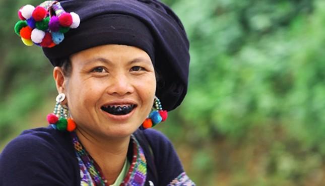 """Những phong tục làm đẹp """"cá biệt"""" của phụ nữ Việt thời xưa - anh 1"""