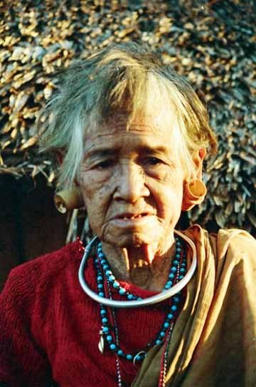 """Những phong tục làm đẹp """"cá biệt"""" của phụ nữ Việt thời xưa - anh 3"""