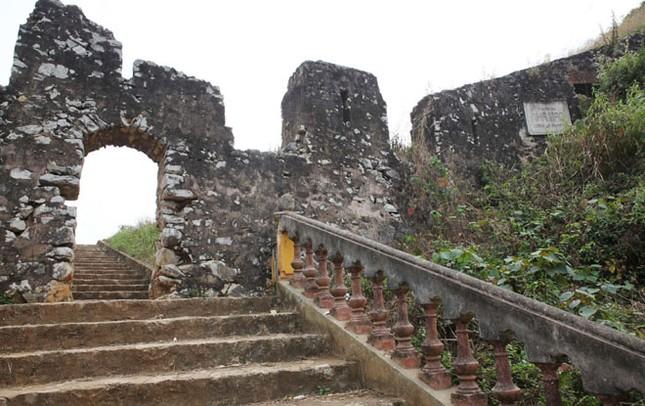 Thành Nhà Mạc Lạng Sơn trước nguy cơ trở thành phế tích - anh 1