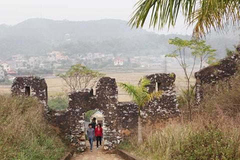 Thành Nhà Mạc Lạng Sơn trước nguy cơ trở thành phế tích - anh 2