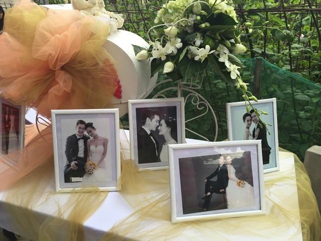Đám cưới hạnh phúc, đầm ấm của Next Top Model Lê Thúy tại quê nhà Quảng Bình - anh 1