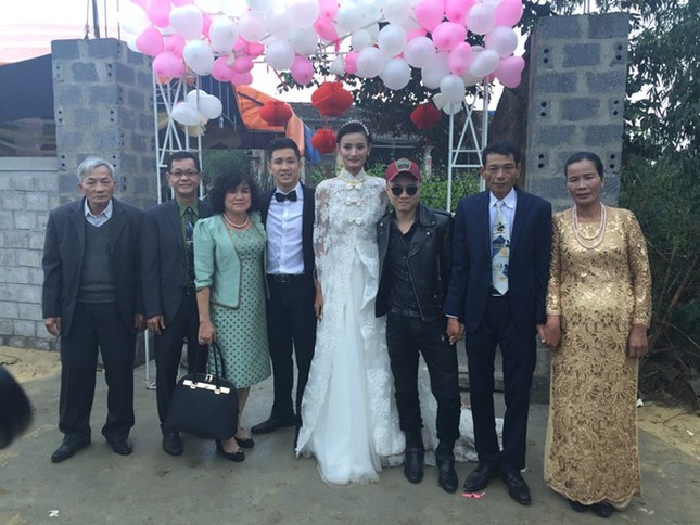 Đám cưới hạnh phúc, đầm ấm của Next Top Model Lê Thúy tại quê nhà Quảng Bình - anh 2