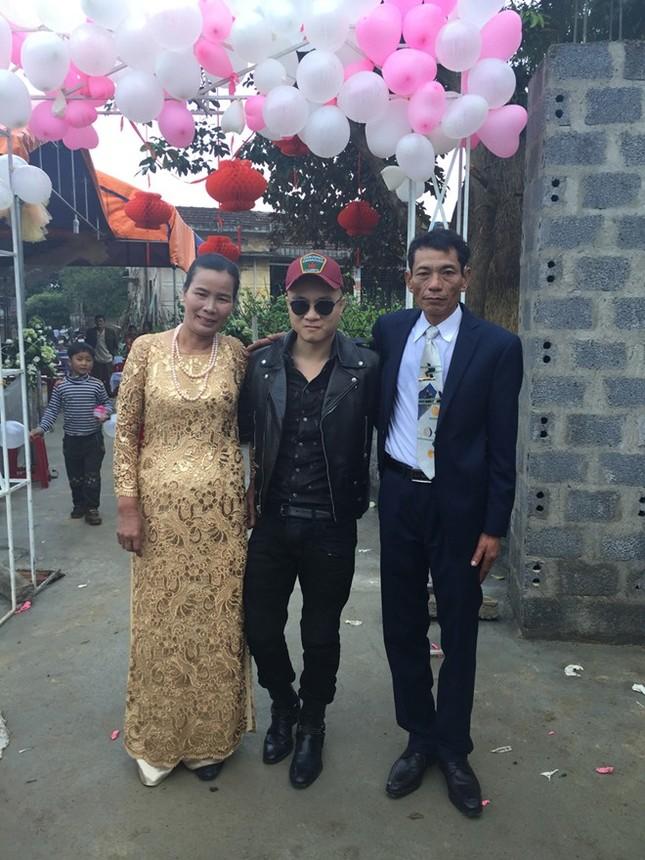 Đám cưới hạnh phúc, đầm ấm của Next Top Model Lê Thúy tại quê nhà Quảng Bình - anh 3