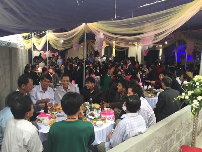 Đám cưới hạnh phúc, đầm ấm của Next Top Model Lê Thúy tại quê nhà Quảng Bình - anh 5
