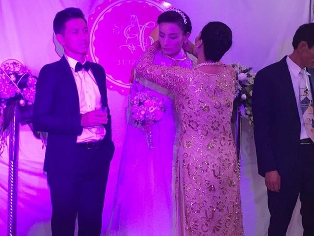 Đám cưới hạnh phúc, đầm ấm của Next Top Model Lê Thúy tại quê nhà Quảng Bình - anh 7