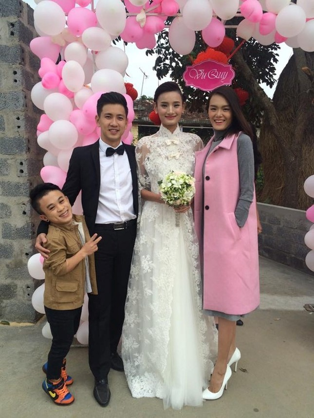 Đám cưới hạnh phúc, đầm ấm của Next Top Model Lê Thúy tại quê nhà Quảng Bình - anh 9