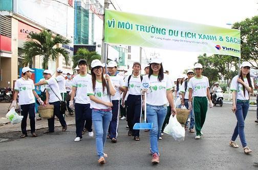 """Hơn 32.000 học sinh THPT tham gia vòng 1 cuộc thi """"Du lịch có trách nhiệm với môi trường và xã hội"""" - anh 1"""