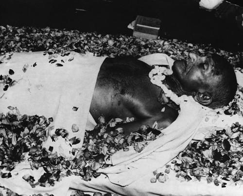 Lật lại hồ sơ những nhà lãnh đạo nổi tiếng bị ám sát - anh 2