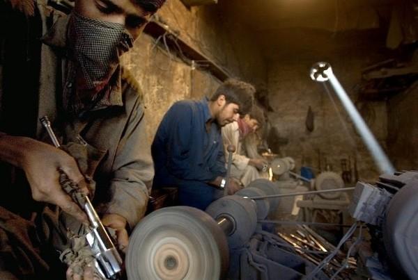 Ngôi làng chuyên sản xuất vũ khí lậu cho mạng lưới khủng bố ở Pakistan - anh 10