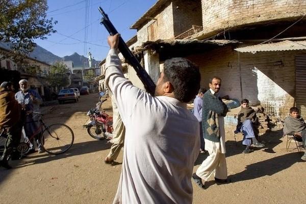 Ngôi làng chuyên sản xuất vũ khí lậu cho mạng lưới khủng bố ở Pakistan - anh 8