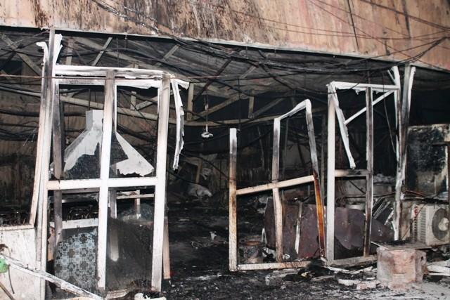 Hà Nội: Cháy dữ dội, thiêu rụi toàn bộ hàng hóa tại khu Nam Trung Yên - anh 10