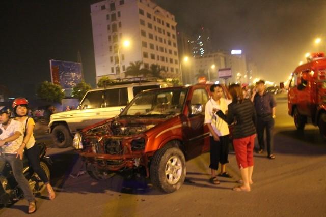 Hà Nội: Cháy dữ dội, thiêu rụi toàn bộ hàng hóa tại khu Nam Trung Yên - anh 4