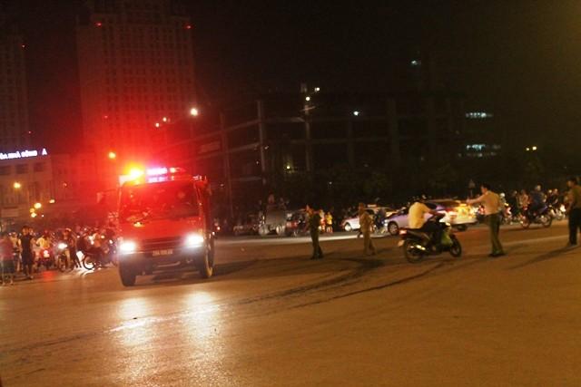Hà Nội: Cháy dữ dội, thiêu rụi toàn bộ hàng hóa tại khu Nam Trung Yên - anh 5