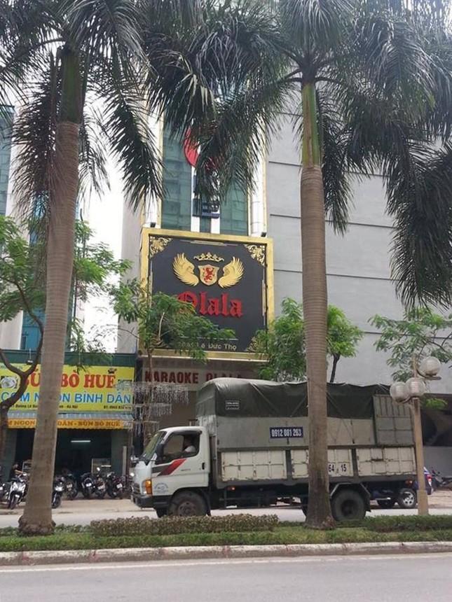 Hà Nội: Hỗn chiến trong quán karaoke, 1 người tử vong - anh 1