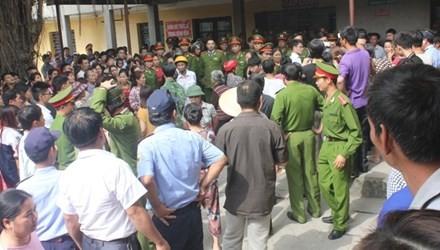 Ninh Bình: Sản phụ tử vong bất thường, hàng trăm người bao vây bệnh viện - anh 1