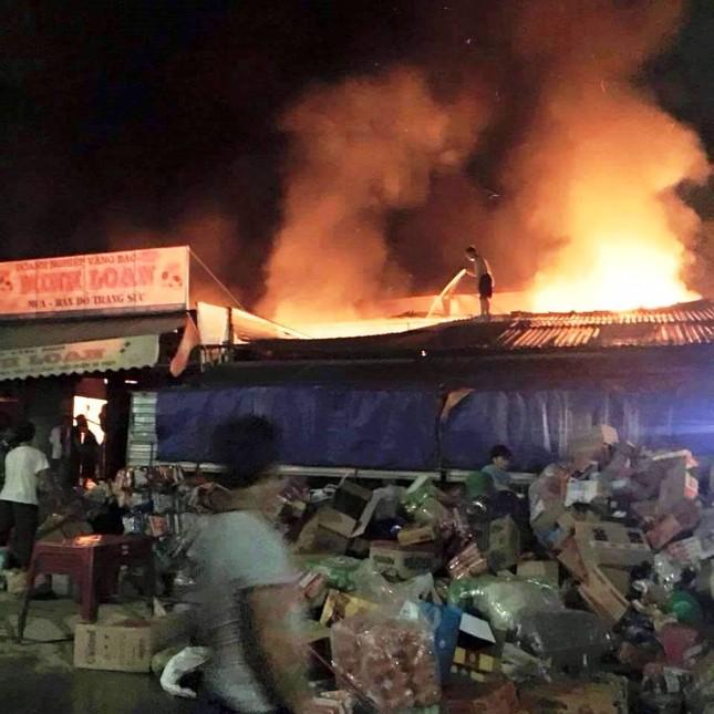Hà Tĩnh: Cháy chợ Bộng, hàng trăm tiểu thương hoảng loạn trong đêm - anh 4