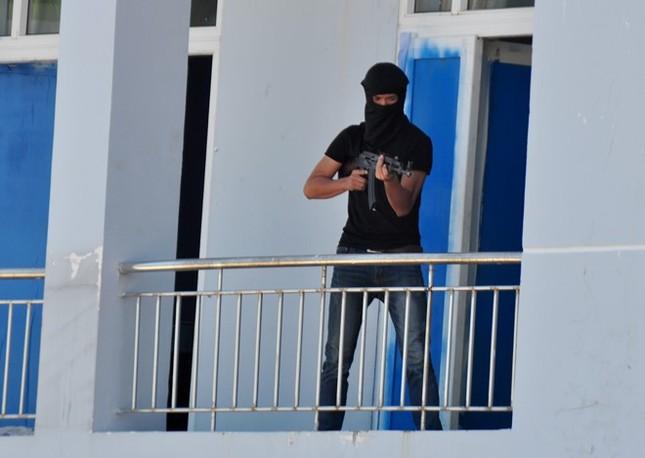 Diễn tập chống khủng bố ở nhà máy lọc dầu Dung Quất - ảnh 3