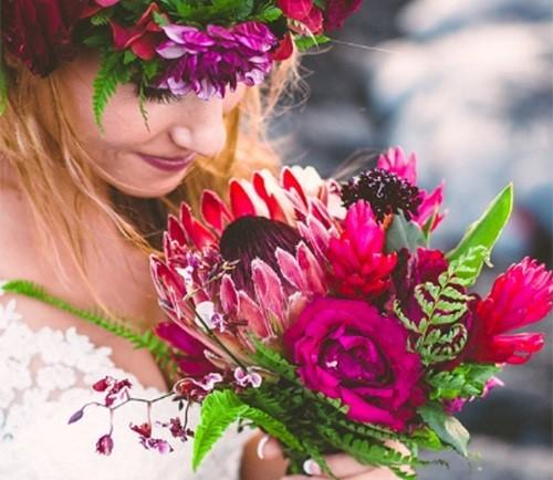 Đôi trẻ liều mạng chụp ảnh cưới bên miệng núi lửa - ảnh 6