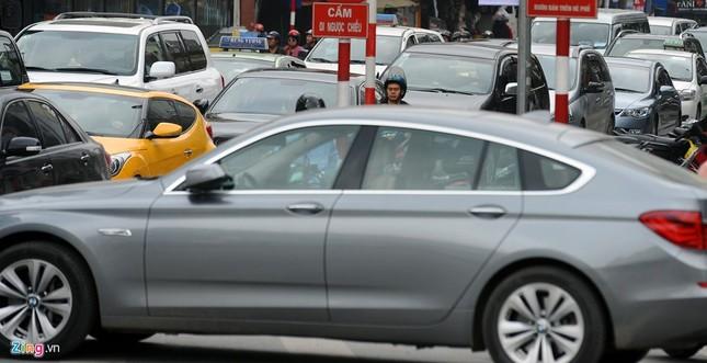 Đi tìm thủ phạm gây ùn tắc giao thông ở Hà Nội - ảnh 14