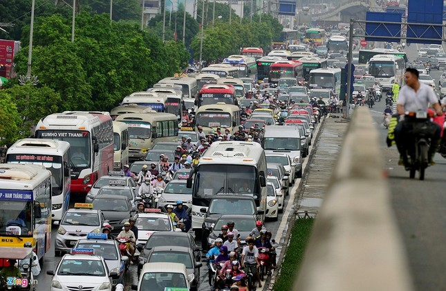 Đi tìm thủ phạm gây ùn tắc giao thông ở Hà Nội - ảnh 8