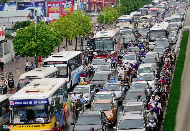 Đi tìm thủ phạm gây ùn tắc giao thông ở Hà Nội - ảnh 2