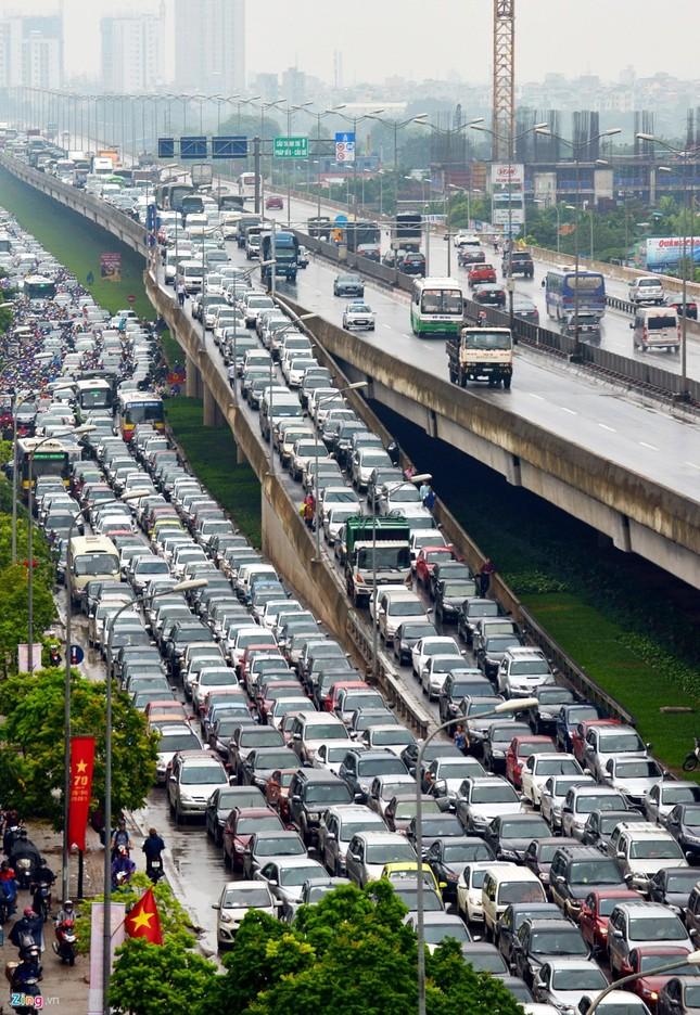 Đi tìm thủ phạm gây ùn tắc giao thông ở Hà Nội - ảnh 4
