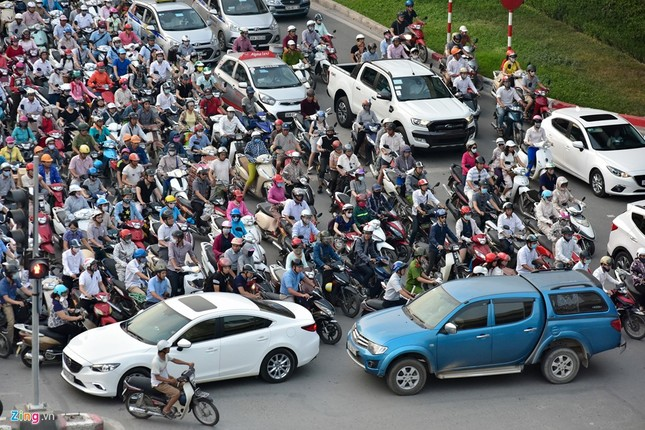 Đi tìm thủ phạm gây ùn tắc giao thông ở Hà Nội - ảnh 13