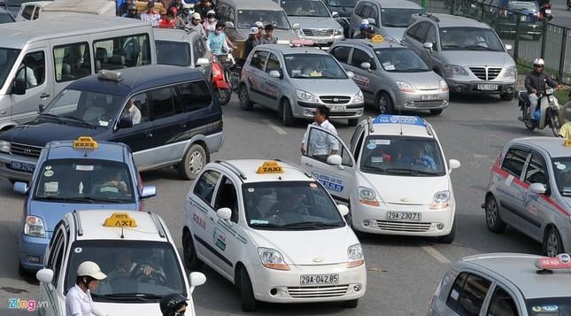 Đi tìm thủ phạm gây ùn tắc giao thông ở Hà Nội - ảnh 10